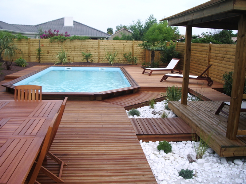 Piscine hors sol bois semi enterree piscine hors sol en for Piscine en kit bois semi enterree