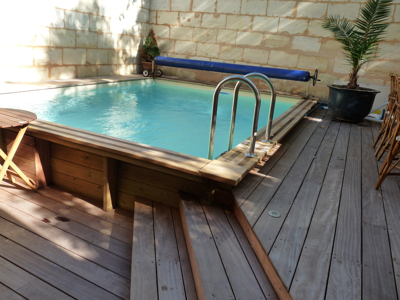 Wooden swimming pools little above ground pool for Coque piscine 3x3